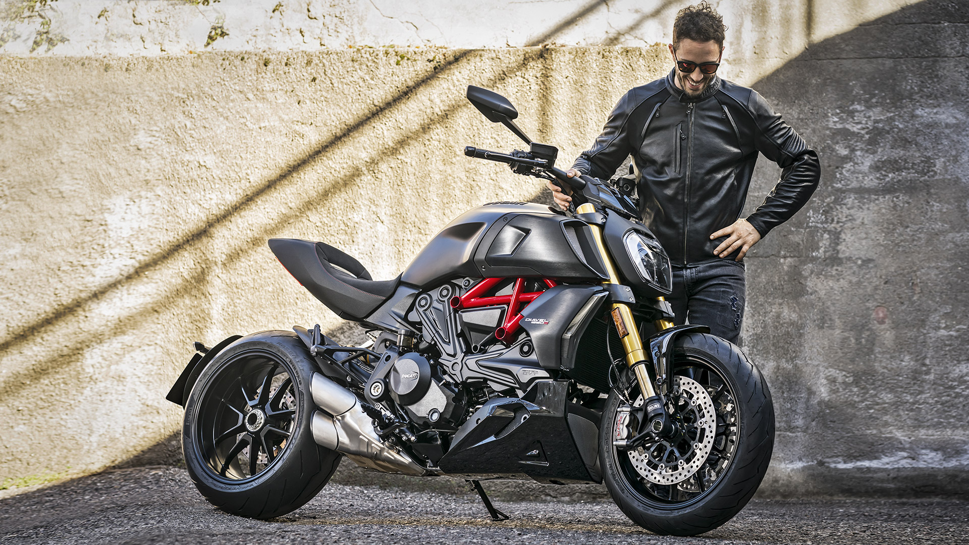 Diavel-1260-Piloti-MY19-06-Gallery-1920x1080